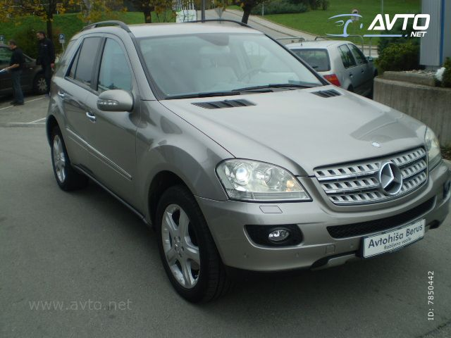 Mercedes-Benz ML-Razred ML 320 CDI  1