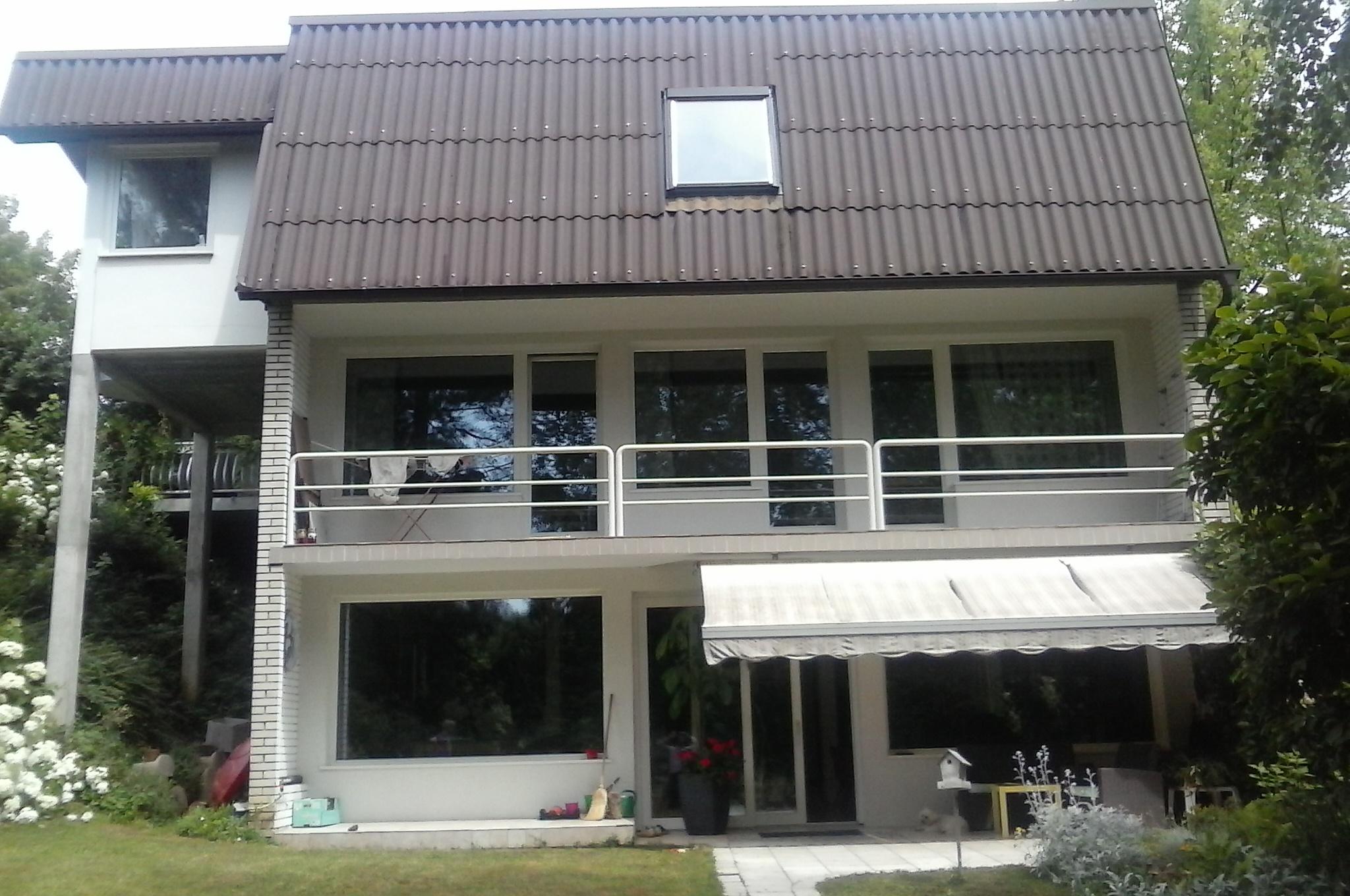 Prodamo stanovanjsko hišo z 2 stanovanjskimi enotami